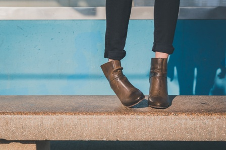 春ブーツを長く履くならショートブーツ